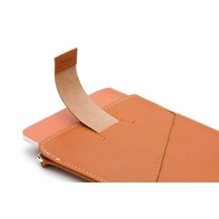 Bellroy Passport Sleeve – karmel